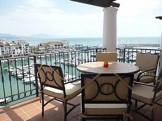 Photo for Superb 7th Floor Apartment With Panoramic Marina Views