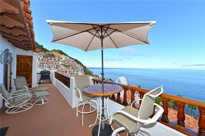 H242 - Balcony to Ocean View