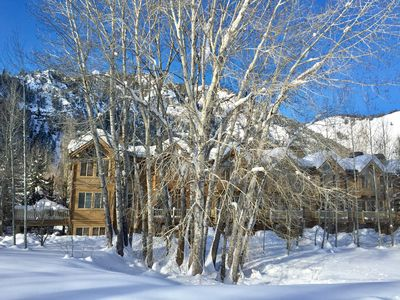 Photo for Ski or Walk to Lift, on Bike Path, Walk to Town, WiFi/cable