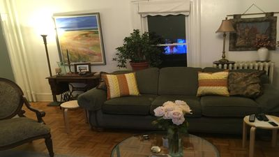 Photo for Cozy, 2 bedroom, near medical area. 5-10 minutes from buses, and the T/subway.