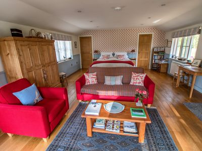 Photo for Luxury lodge in idyllic riverside location near Salisbury