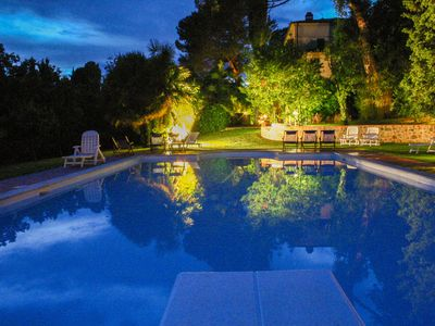 Photo for Beautiful apartment in villa for 4 guests with WIFI, pool, TV and parking, close to Montepulciano