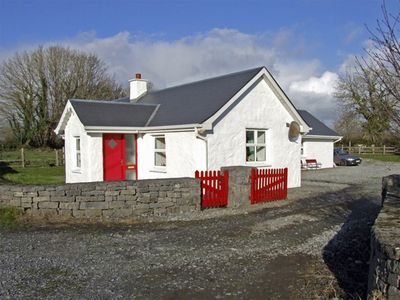Photo for DELIA'S COTTAGE, pet friendly in Ballinrobe, County Mayo, Ref 3734