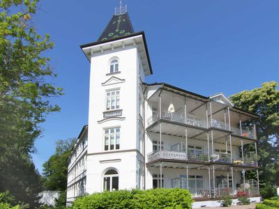 Photo for SDD36 - Apartment right on the beach, Wi-Fi free of charge - Villa Stranddistel (Strandpromenade Binz)