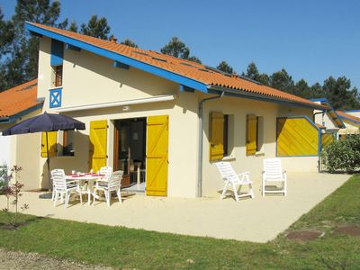 Photo for One bedroom Villa, sleeps 6 with Pool, FREE WiFi and Walk to Shops