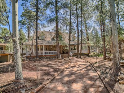 Photo for Luxury Cabin 7 Bedrooms,4.5 Baths,Game Room,Gated Community, 6000 square feet