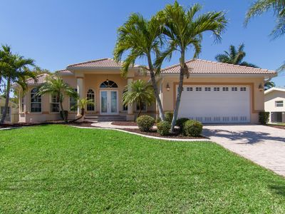 Photo for Leisure living in the Yacht Club, one of Cape Coral's most desirable locations
