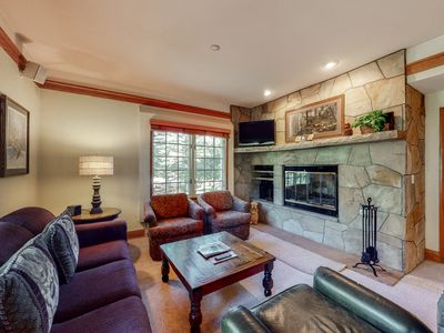 Photo for Ground floor charming condo w/ shared pool, golf nearby, wood-burning fireplace