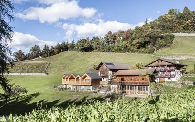 Photo for Niederthalerhof Chalets - Chalet Sommer - Luxury chalet in Bressanone / South Tyrol