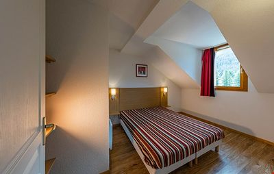 Drift off to sleep in the plush double bed or 2 Single beds in the bedrooms - let us know what you prefer!