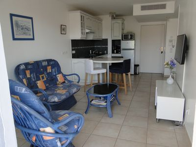 Photo for T2 clim, 2pers, 42m ², 4 * NF, wifigratuit, calm, in town, closed garage, beaches 300m