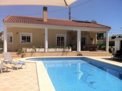 Photo for Luxury Family Villa, Private Heated Pool,4 Bedrooms, Guardamar, Walk To Beach,
