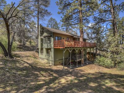 Photo for Lazy Bear Lodge: Affordable! Near Slopes! Pool Table! BBQ! Wood Burning Fireplace!