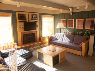 Photo for Beautiful 2-bedroom Sun Valley Condo with access to Sun Valley pools, hot tubs