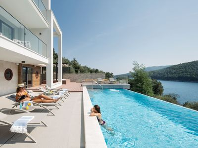 Photo for This 5-bedroom villa for up to 10 guests is located in Labin and has a private swimming pool, air-co
