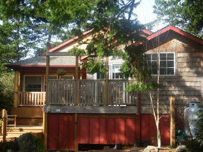 Photo for Sunbursts Cottage, MCA #1011, Inviting, Close-in Wooded Setting
