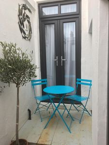 Photo for Lower Deck Marine Parade, Cute and stylish, a stones throw from the beach