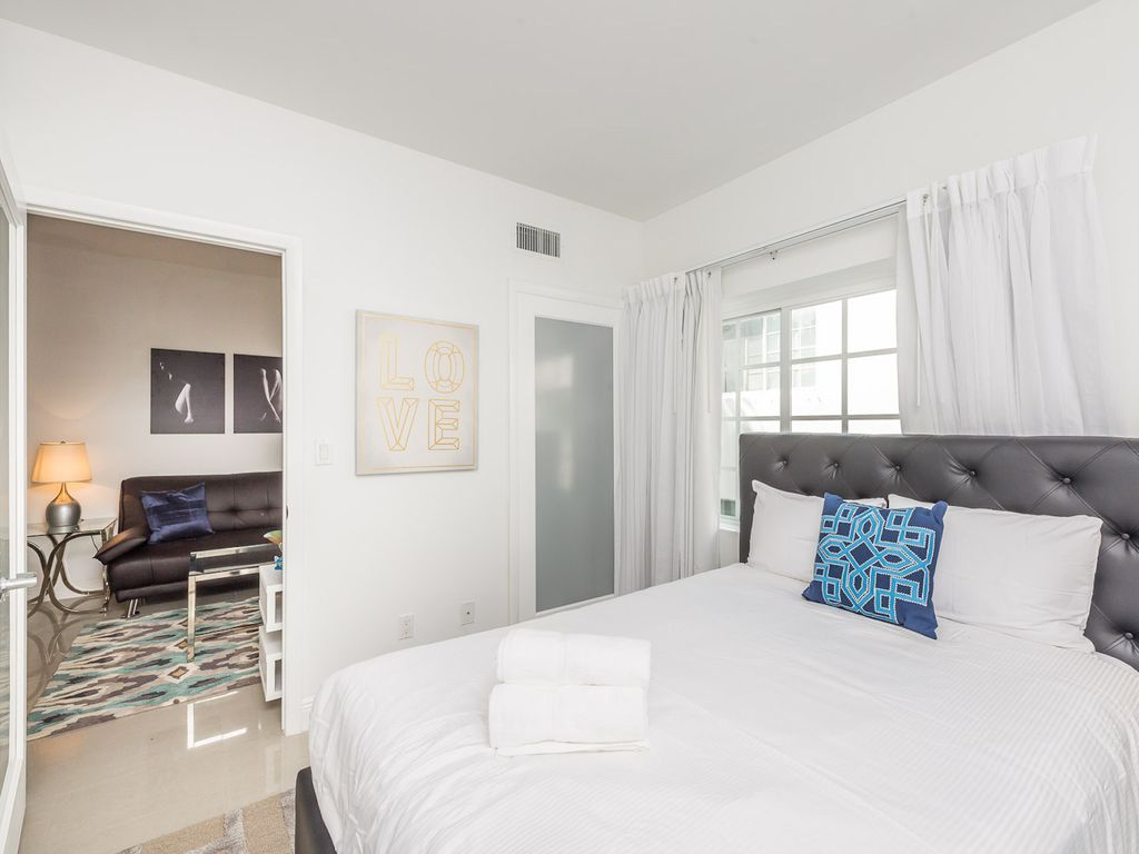 Belleza Miami Beach 3 Bedroom Suite Two Blocks From Beach Miami Beach Florida South Atlantic
