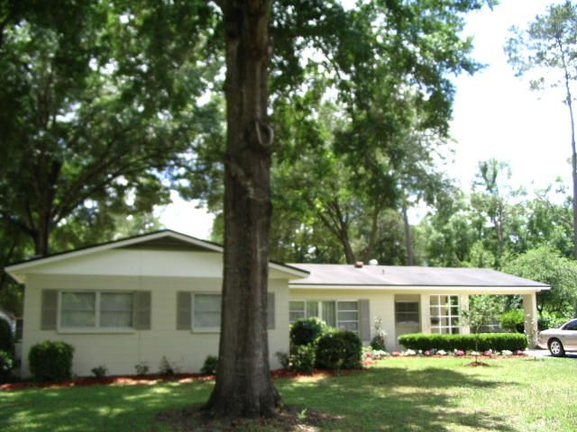 Best gainesville house location university of florida for Best housing at uf