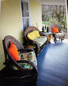 Photo for Stunning Porch Downtown in Sunflower Cottage