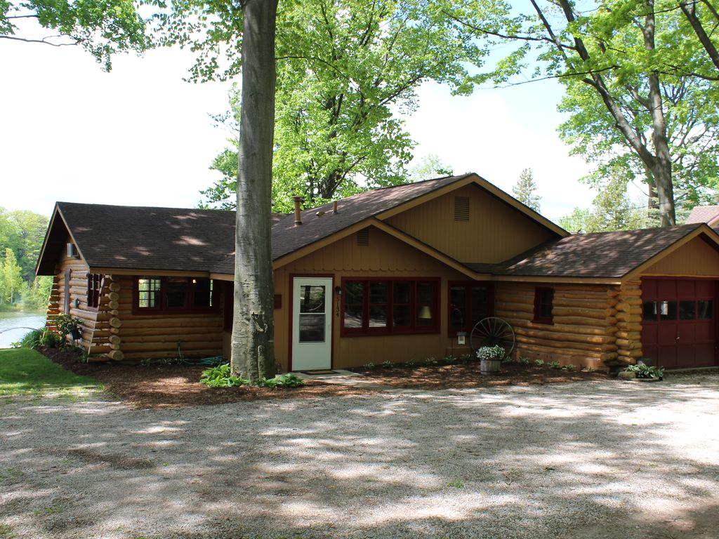 mi scenery place cottage for city vrbo traverse homeaway at cabin rentals beautiful vac com relaxing northern michigan nce and vacation rent in cabins