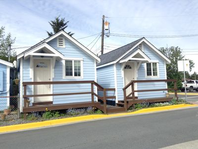 Photo for 1 bedroom, 1 bath Cottage perfect for two guests. Located right downtown