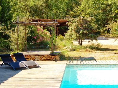 Photo for quiet villa, pool and jacuzzi in the heart of Provence green.