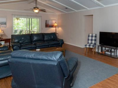 Photo for ⭐️Columbus Cabin w/ fenced backyard. 20 min to Benning. Sleeps 8! Pets welcome✨