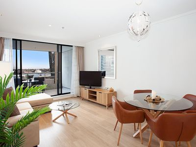 Photo for Spacious Luxury Apartment in Heart of CBD