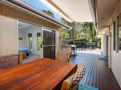 Photo for Entire house fully furnished with pool and only 300m from Rainbow beach!!