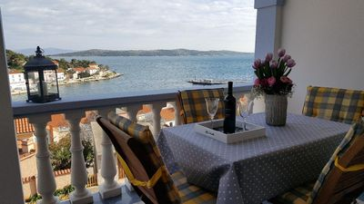 Photo for One bedroom apartment with terrace Sali, Dugi otok (A-890-e)