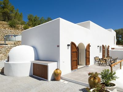 Photo for Beautiful Ibiza-Style Villa with Private Pool and Air Conditioning!
