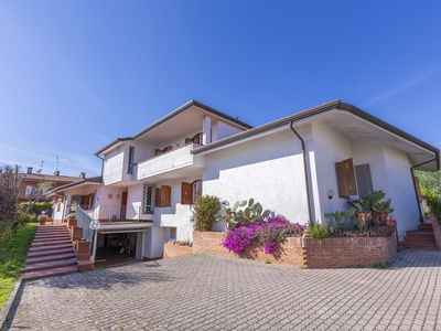 Photo for 8 bedroom Villa, sleeps 12 with Pool, FREE WiFi and Walk to Shops