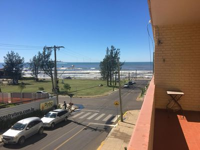 Photo for Apt of 3 bedrooms, 1 block from the sea, with balcony and sea view, in Prainha.