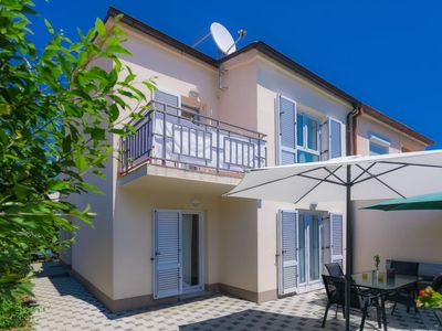 Photo for Vacation home Gojak in Pula - 6 persons, 3 bedrooms