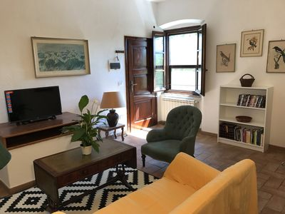 The sitting room, with fireplace and TV/DVD/Wifi