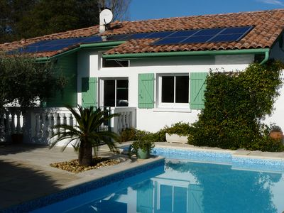 Photo for Comfortable villa, 4 *. Peaceful, private, heated and secure pool