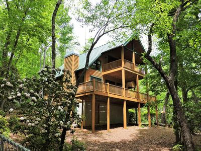 Photo for TF Luxury Dog-friendly Chalets W/Large Fenced Yard, Hot Tub on deck, Fireplace,