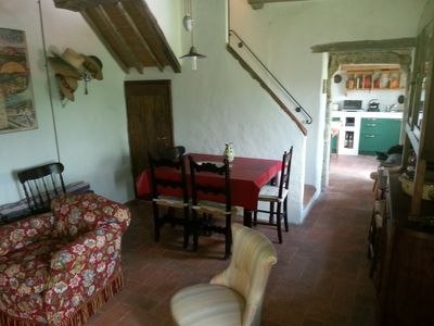 Photo for Cozy Tuscan cottage in wonderful countryside near Siena