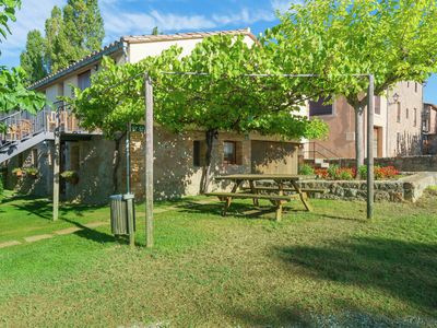 Photo for Apartments in a Catalan farmhouse with communal garden and pool in the Pyrenees
