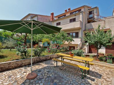 Photo for Apartment 194/439 (Istria - Pula), Budget accommodation, 3000m from the beach