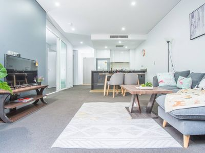 Photo for Stunning & Cozy 1 Bedroom APT In Heart of Mascot