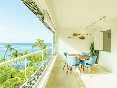Renovated 2 Bedroom with Great Views of  Ocean and Diamond Head!! (CS7/8)