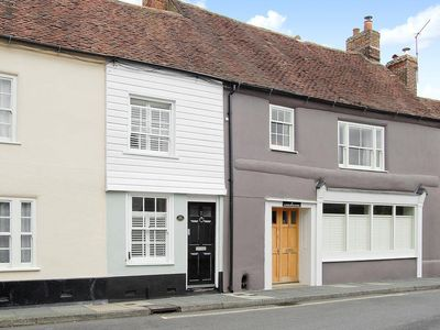 Photo for 1 bedroom property in Chichester. Pet friendly.