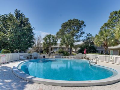 Photo for 30A condo w/ private patio & community pools/tennis - walk to the beach!