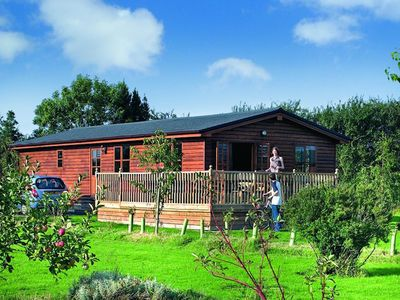 Photo for Lodge with Hot Tub near York, 3 bedroom sleeps 6, Fantastic, tranquil location.