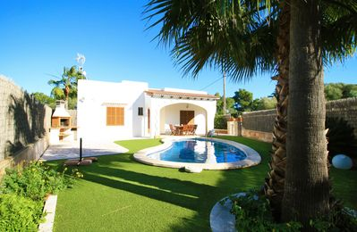 Photo for Beautiful Villa in Cala Llombards at 1km from the beach