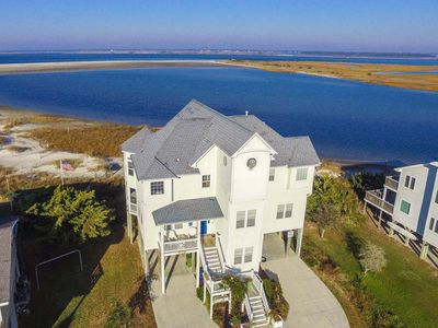 Photo for A true gem, this seaside cottage in Emerald Isle offers panoramic views