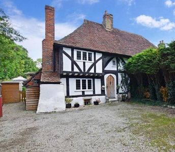 Photo for The Buttery Maidstone. 500 year old Cottage locates on wall of 450 acre parkland