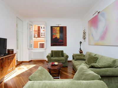 Photo for Rome, Trastevere, charming and spacious apartment for 7 people